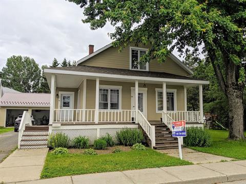 Maison à vendre à Price, Bas-Saint-Laurent, 29, Rue de l'Église, 16980494 - Centris.ca