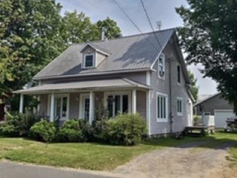 House for sale in Lyster, Centre-du-Québec, 2075, Rue  Bécancour, 13390271 - Centris.ca