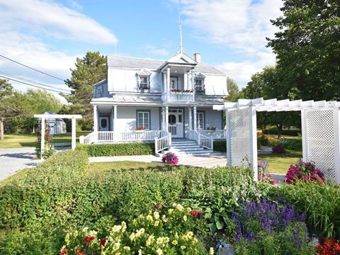 Cottage for sale in Saint-Hubert-de-Rivière-du-Loup, Bas-Saint-Laurent, 5, Rue  Massé, 13380355 - Centris.ca