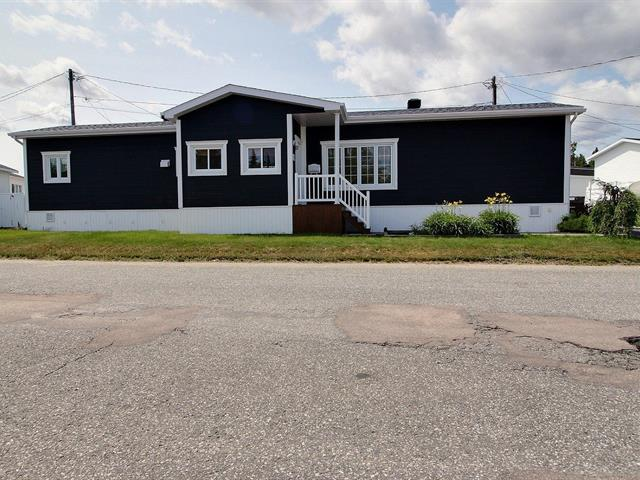 Mobile home for sale in Baie-Comeau, Côte-Nord, 7, Avenue  Crémazie, 24880976 - Centris.ca