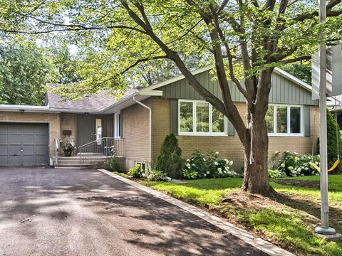 Maison à vendre in Saint-Lambert (Montérégie), Montérégie, 104, Rue des Flandres, 17112005 - Centris.ca