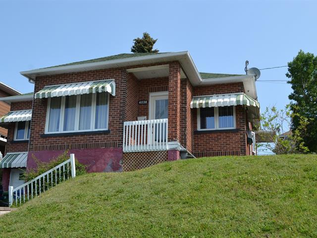 House for sale in Saguenay (Jonquière), Saguenay/Lac-Saint-Jean, 4038, boulevard  Harvey, 23336417 - Centris.ca