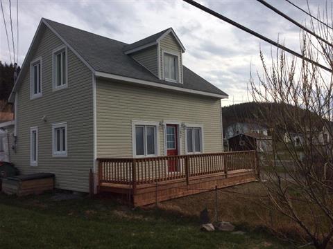 House for sale in Sainte-Anne-des-Monts, Gaspésie/Îles-de-la-Madeleine, 57, boulevard  Perron Est, 13723662 - Centris
