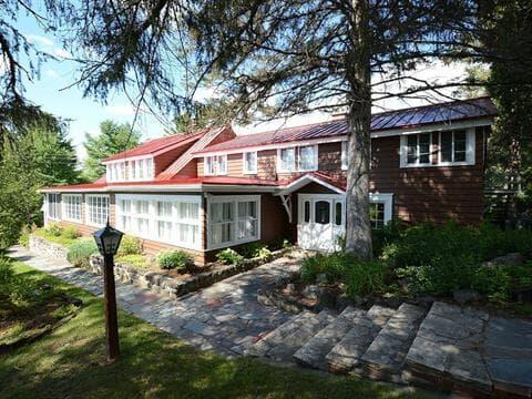 Maison à vendre à Sainte-Adèle, Laurentides, 3475, Rue  Rolland, 10173582 - Centris.ca