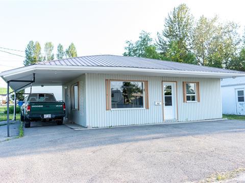 Maison à vendre à Métabetchouan/Lac-à-la-Croix, Saguenay/Lac-Saint-Jean, 160, Rue  Saint-Georges, 23851644 - Centris.ca