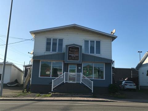 Quintuplex à vendre à Paspébiac, Gaspésie/Îles-de-la-Madeleine, 123 - 125, boulevard  Gérard-D.-Levesque Ouest, 10618792 - Centris.ca