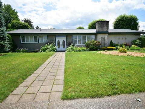 House for sale in Acton Vale, Montérégie, 1201, 1re Avenue Est, 28820059 - Centris.ca