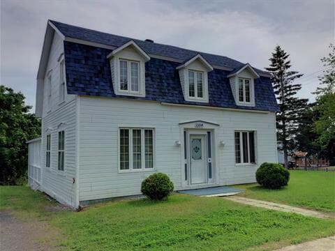 House for sale in New Carlisle, Gaspésie/Îles-de-la-Madeleine, 130, boulevard  Gérard-D.-Levesque, 19554389 - Centris.ca