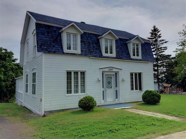 Maison à vendre à New Carlisle, Gaspésie/Îles-de-la-Madeleine, 130, boulevard  Gérard-D.-Levesque, 19554389 - Centris.ca
