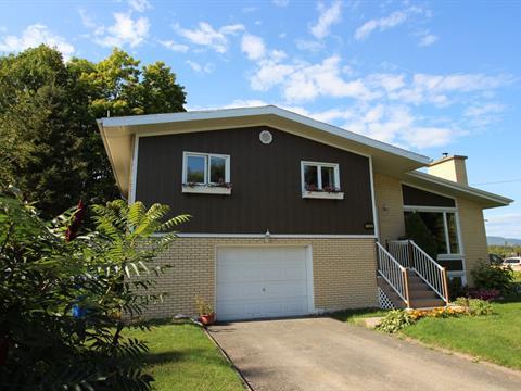 Maison à vendre à Carleton-sur-Mer, Gaspésie/Îles-de-la-Madeleine, 1720, boulevard  Perron, 11736832 - Centris.ca