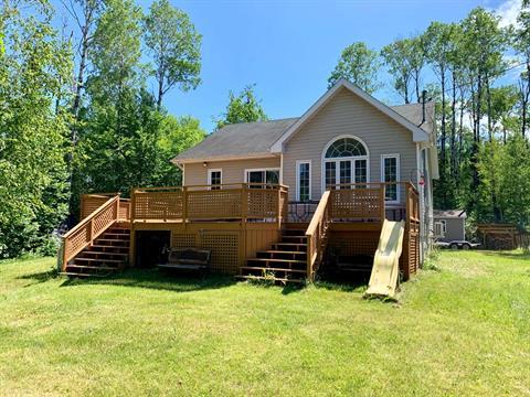 Maison à vendre à Lac-Kénogami (Saguenay), Saguenay/Lac-Saint-Jean, 3000, Rue de la Topaze, 9375456 - Centris.ca