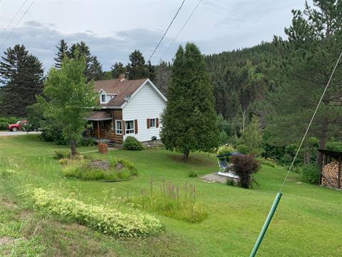 House for sale in Ferland-et-Boilleau, Saguenay/Lac-Saint-Jean, 423, Route  381, 21995512 - Centris.ca
