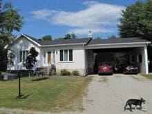 House for sale in Warwick, Centre-du-Québec, 1, Rue  Desfossés, 13852210 - Centris.ca