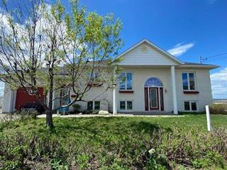 House for rent in Rimouski, Bas-Saint-Laurent, 122, Rue du Fleuve, 24611493 - Centris.ca