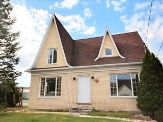 Maison à vendre à Saint-Urbain, Capitale-Nationale, 717, Rue  Saint-Édouard, 14059737 - Centris.ca
