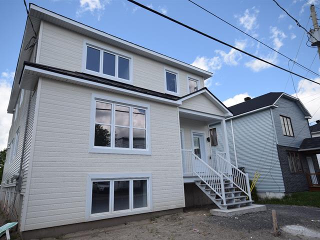 Triplex à vendre à Lachute, Laurentides, 292, Avenue  Hamford, 9258724 - Centris.ca