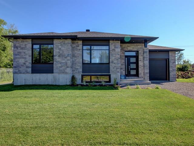 Maison à vendre à Shawinigan, Mauricie, 4080, Rue  Ovila-Demontigny, 16928557 - Centris.ca
