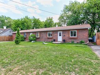 Duplex à vendre à McMasterville, Montérégie, 850 - 860, Rue  Peter, 17186737 - Centris.ca