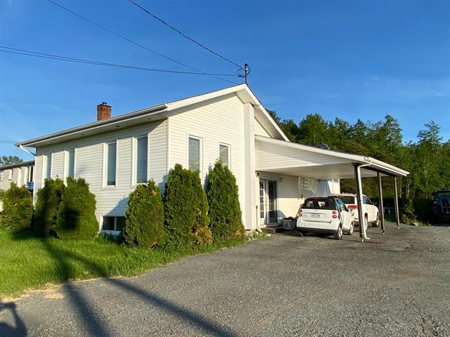 Maison à vendre à Rouyn-Noranda, Abitibi-Témiscamingue, 2846 - 2848, Avenue  Larivière, 20870927 - Centris.ca