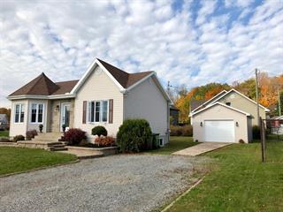 Maison à vendre à Donnacona, Capitale-Nationale, 761, Rue  Savard, 18058760 - Centris.ca
