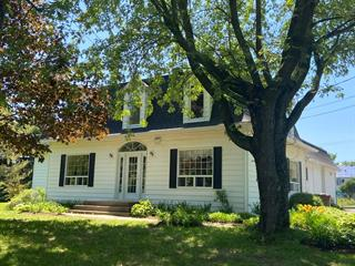 Maison à vendre à Asbestos, Estrie, 562, Rue  Laurier, 23227332 - Centris.ca
