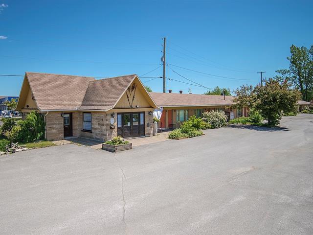 Bâtisse commerciale à vendre à Sainte-Anne-de-Beaupré, Capitale-Nationale, 9680, boulevard  Sainte-Anne, 25109057 - Centris.ca