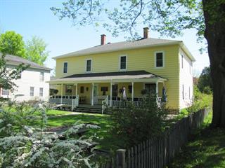 Maison à vendre à Stanstead - Ville, Estrie, 10Z - 12Z, Rue  Principale, 16192736 - Centris.ca