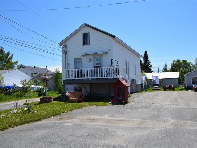 Triplex à vendre à La Sarre, Abitibi-Témiscamingue, 11Z, 1re Avenue Ouest, 10872862 - Centris.ca