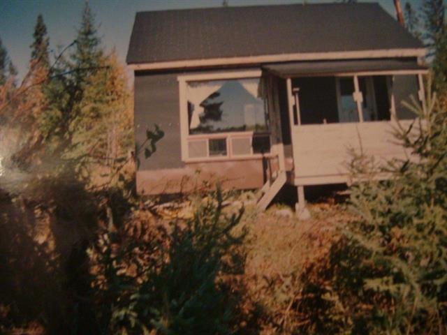 House for sale in Belleterre, Abitibi-Témiscamingue, 1, Lac  Wabakouche, 15700387 - Centris.ca