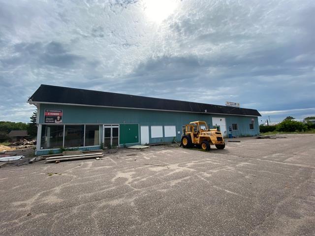 Commercial building for sale in Mansfield-et-Pontefract, Outaouais, 221, Rue  Principale, 12532980 - Centris.ca