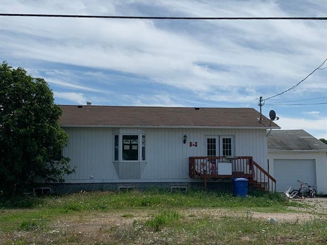 Maison à vendre à Portneuf-sur-Mer, Côte-Nord, 79, Rue  Principale, 23001561 - Centris.ca