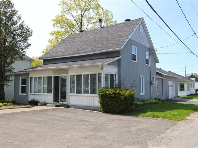 Maison à vendre à Saint-Raphaël, Chaudière-Appalaches, 3, Avenue  Morency, 12731585 - Centris.ca