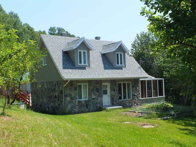 Maison à vendre à Petite-Rivière-Saint-François, Capitale-Nationale, 357, Rue  Principale, 17188451 - Centris.ca