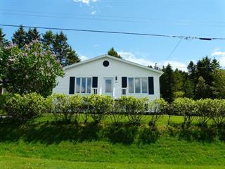 Maison à vendre à Causapscal, Bas-Saint-Laurent, 34, Rue  Garon, 18539640 - Centris.ca