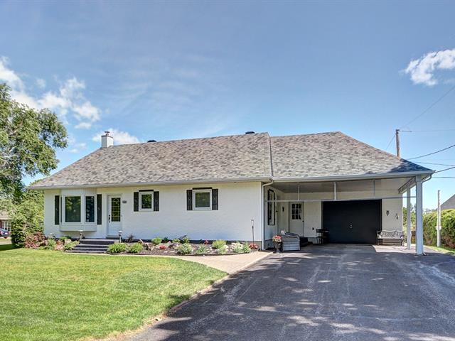 House for sale in Saint-Pierre-de-l'Île-d'Orléans, Capitale-Nationale, 233, Avenue de l'Anse, 10726684 - Centris.ca