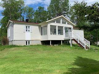 Maison à vendre à Larouche, Saguenay/Lac-Saint-Jean, 240, Chemin du Lac-du-Camp, 12252606 - Centris.ca