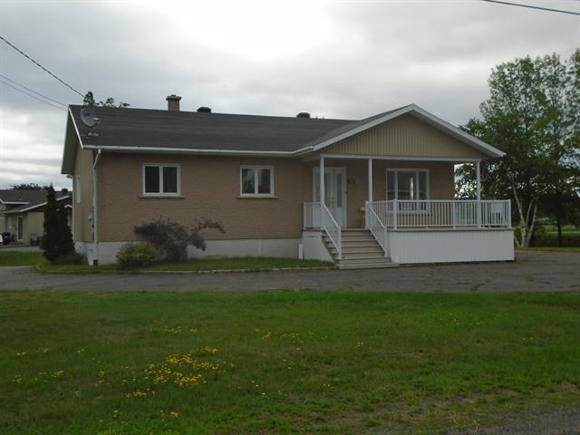 Maison à vendre à Sainte-Anne-de-la-Pocatière, Bas-Saint-Laurent, 90, Route  Hudon-Roussel, 18147364 - Centris.ca