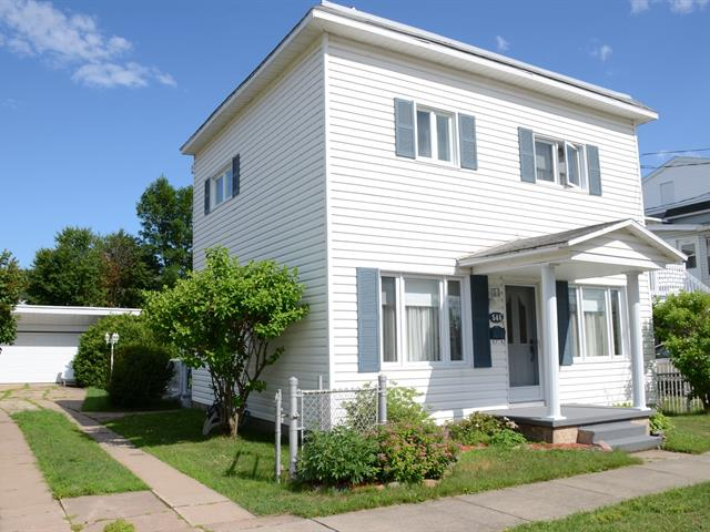 Maison à vendre à La Tuque, Mauricie, 546, Rue  Saint-Benoît, 16280133 - Centris.ca