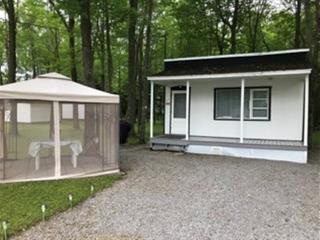 Cottage for sale in Notre-Dame-du-Mont-Carmel, Mauricie, 180, 3e Rue, 14884539 - Centris.ca