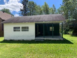 Cottage for sale in Saint-Zénon-du-Lac-Humqui, Bas-Saint-Laurent, 2149, Route  195, 19484933 - Centris.ca