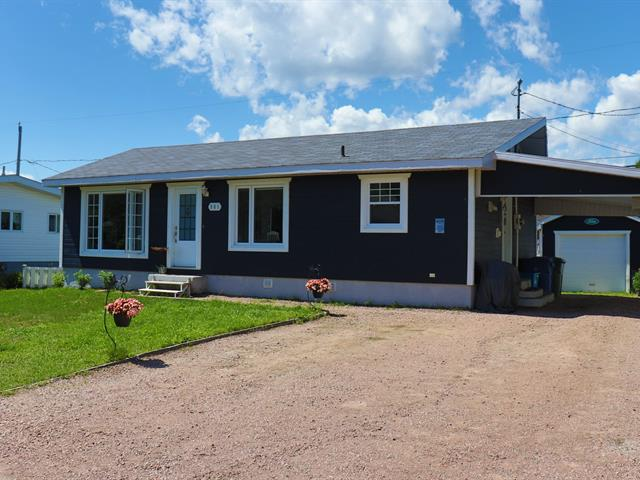 Maison à vendre à Baie-Comeau, Côte-Nord, 961, Rue  Le Doré, 19377245 - Centris.ca