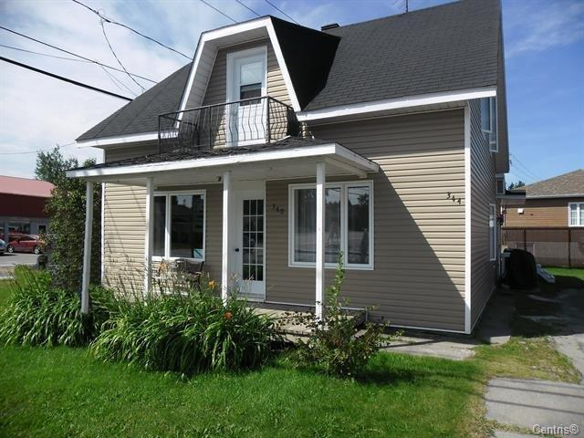 Duplex à vendre à Saint-Ambroise, Saguenay/Lac-Saint-Jean, 340 - 344, Rue  Simard, 14887571 - Centris.ca