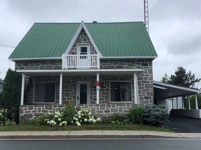 House for sale in Saint-Célestin - Village, Centre-du-Québec, 650, Rue  Houde, 17785388 - Centris.ca