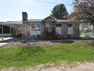 Duplex à vendre à Plaisance, Outaouais, 73, 2e Avenue, 27588071 - Centris.ca