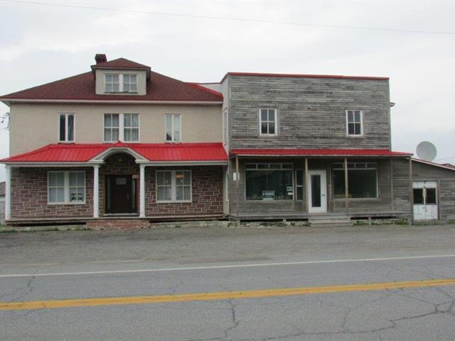 Maison à vendre à Sainte-Madeleine-de-la-Rivière-Madeleine, Gaspésie/Îles-de-la-Madeleine, 203, Route  Principale, 17134478 - Centris.ca