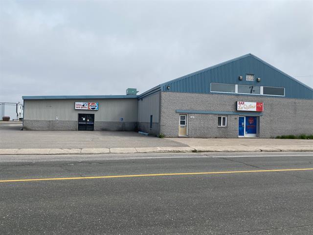 Bâtisse commerciale à vendre à Sept-Îles, Côte-Nord, 160, Rue  Régnault, 23005286 - Centris.ca