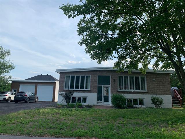 Maison à vendre à Blainville, Laurentides, 17, Rue  Remi-Franc, 19450419 - Centris.ca