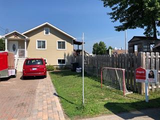 Maison à vendre à Sainte-Thérèse, Laurentides, 1, Rue  De Manteht, 27607552 - Centris.ca