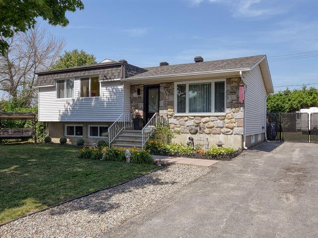 Maison à vendre à Saint-Eustache, Laurentides, 330, Rue  Paquette, 24264733 - Centris.ca