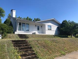 Maison à vendre à Rimouski, Bas-Saint-Laurent, 11, 11e Rue Ouest, 28769947 - Centris.ca